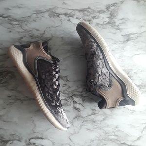 Nwt Womens Nike Free Velvet Sneakers